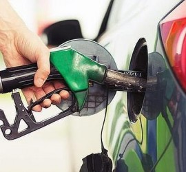 echar-gasolina--660x371